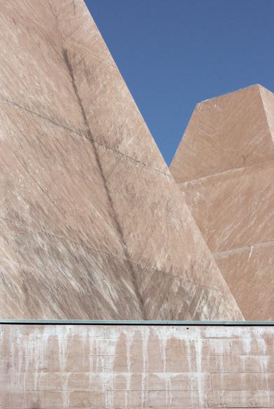 11-eduardo-souto-de-moura-Casa-das-Historias-Paula-Rego-architecture-photography-tobias-mueller